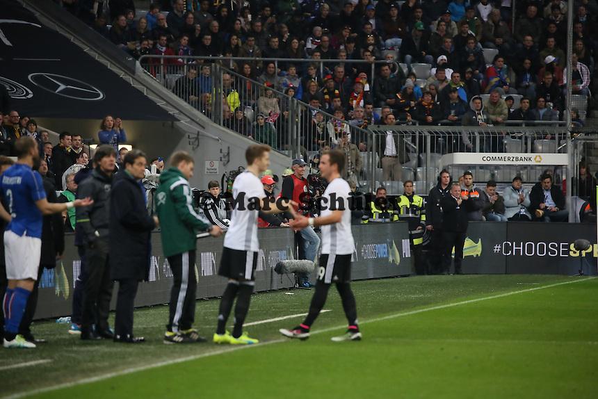 Mario Götze (D) wird ausgewechselt , Marco Reus (D) kommt - Deutschland vs. Italien, Allianz Arena München