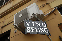 Cibi e bevande. Food and beverages..Vendita di vino sfuso..Sale of bulk wine.....