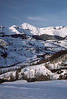 Europe/France/Auvergne/15/Cantal/Parc Naturel Régional des Volcans/Massif du Puy Mary (1787 mètres): la vallée de Mandailles enneigée