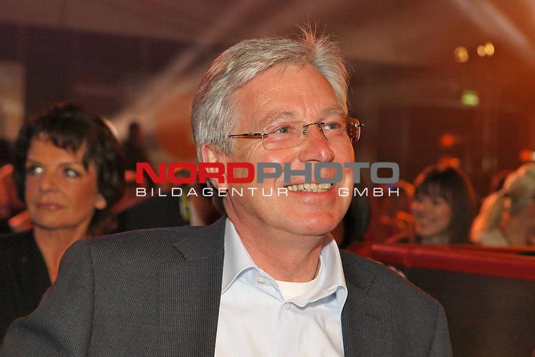 Universum Champions Night - AWD Dome Bremen 02.05.2009<br /> <br /> WIBF- und WBC-Federgewichts-Weltmeisterin Ina Menzer GER )  gegen Franchesca &bdquo;The chosen one&ldquo; Alcanter ( USA )<br /> <br /> B&uuml;rgermeister Jens B&ouml;hrnsen.<br /> <br /> Foto &copy; nph (  nordphoto  )