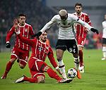 20.02.2018, Allianz Arena, München, GER, UEFA CL, FC Bayern München (GER) vs Besiktas Istanbul (TR) , im Bild<br />Mats Hummels (München), Talisca (Instanbul)<br /><br /><br /> Foto © nordphoto / Bratic