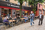 BRUSSELS - BELGIUM - 22 June 2016 -- Brussels city - Marolles the bohemian city part of Brussels. -- Place Jeu de Balle - Cafe La Brocante, coffee, cupcakes and bier. -- PHOTO: Juha ROININEN / EUP-IMAGES Käyttöoikeus: vain ET brändi