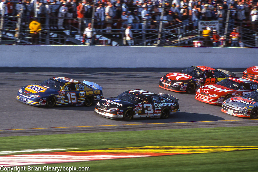 Michael Waltrip (15) Dale Earnhardt (3) battle for the lead, Daytona 500, Daytona International Speedway, Daytona Beach, FL, February 18, 2001.  (Photo by Brian Cleary/ www.bcpix.com )