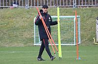 Co-Trainer Robert Kovac (Eintracht Frankfurt) leitete das Training während Trainer Niko Kovac (Eintracht Frankfurt) noch auf sich warten ließ - 04.04.2018: Eintracht Frankfurt Training, Commerzbank Arena