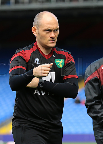 09.04.2016. Selhurst Park, London, England. Barclays Premier League. Crystal Palace versus Norwich. Norwich City Manager Alex Neil inspects Selhurst Park