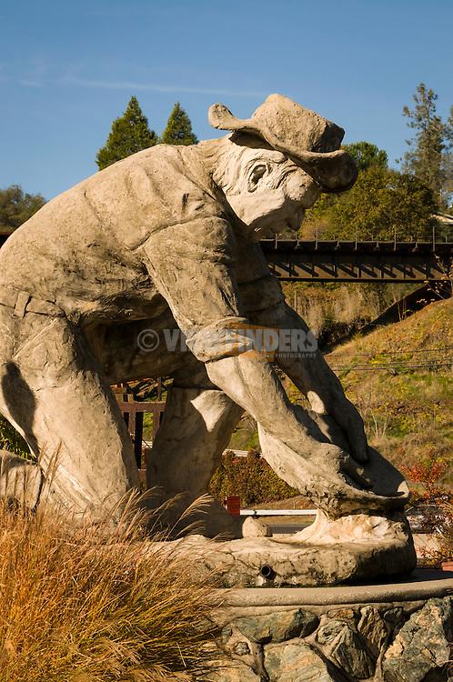 Placerville goldminer statue.