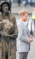Prinz Harry und Herzogin_Meghan besuchen das Famine Memorial  in Dublin / 110718<br /> <br /> <br /> *** July 11, 2018 - Dublin, Ireland. The Duke and Duchess of Sussex visit the Famine Memorial  in Dublin on day two of their visit to Ireland. *** _<br /> Credi: Action Press/MediaPunch ***FOR USA ONLY***