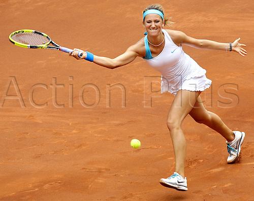 05.05.2011. Madrid, Spain.  Victoria Azarenka (BLR) in action against  Lucie Safarova (cze) , Quarter-final of the WTA  Mutua Madrilena Madrid Open, Spain.....