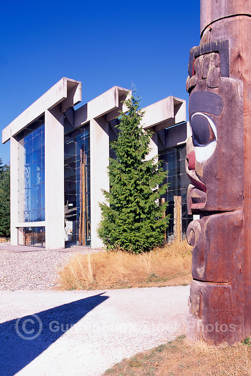 Haida Totem Pole and Museum of Anthropology, University of British Columbia (UBC), Vancouver, BC, British Columbia, Canada - Arthur Erickson Architect