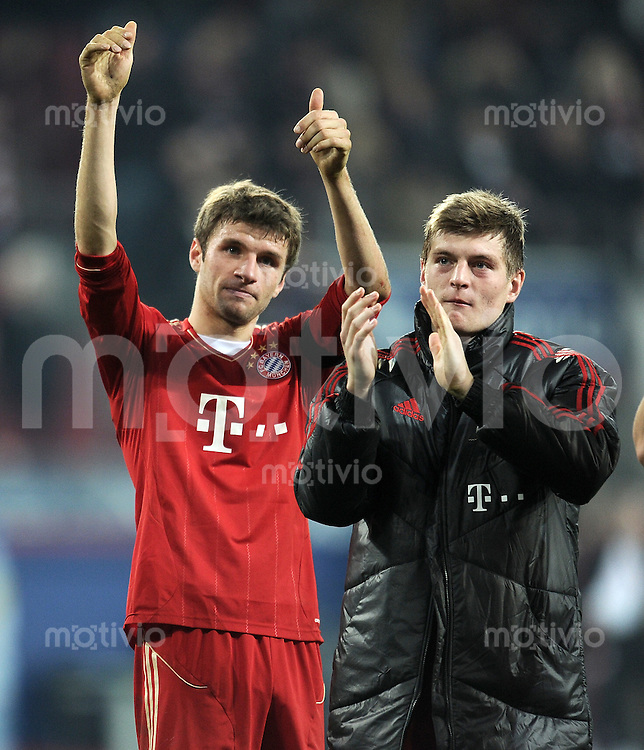 FUSSBALL   1. BUNDESLIGA  SAISON 2011/2012   12. Spieltag FC Augsburg - FC Bayern Muenchen         06.11.2011 Thomas Mueller , Toni Kroos (v. li., FC Bayern Muenchen)