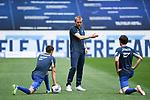 Interimstrainer Matthias Kaltenbach (Hoffenheim) im Gespraech mit Christoph Baumgartner (Hoffenheim, l.) und Sebastian Rudy (Hoffenheim,r.).<br /> <br /> Sport: Fussball: 1. Bundesliga: Saison 19/20: 33. Spieltag: TSG 1899 Hoffenheim - 1. FC Union Berlin, 20.06.2020<br /> <br /> Foto: Markus Gilliar/GES/POOL/PIX-Sportfotos<br /> <br /> Foto © PIX-Sportfotos *** Foto ist honorarpflichtig! *** Auf Anfrage in hoeherer Qualitaet/Aufloesung. Belegexemplar erbeten. Veroeffentlichung ausschliesslich fuer journalistisch-publizistische Zwecke. For editorial use only. DFL regulations prohibit any use of photographs as image sequences and/or quasi-video.