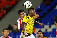 MENDOZA -ARGENTINA- 03-02-2013: Jehrson Vergara (Der.) de Colombia, disputa el balón Gustavo Gomez (Izq.) de Paraguay, durante partido entre los seleccionados de Colombia y Paraguay en el estadio La Malvinas de Mendoza Argentina,  febrero 3 de 2013. En partido la final del Suramericano Sub 20, Colombia se coronó campeón y clasificó al mundial en Turquia. Jehrson Vergara (R) from Colombia, fights for the ball with Gustavo Gomez (L) from Paraguay, during the match between Colombia and Paraguay in the stadium The Falklands in Mendoza, Argentina, on February 3, 2013. In South American game for the final of the Under 20, Colombia was crowned champion and qualified for the world in Turkey world cup.  Photo: Photosport / Photogamma /VizzorImage/