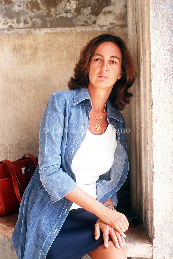 2001: ELENA LOEWENTHAL,  GIORNALISTA,  SCRITTRICE  © Leonardo Cendamo