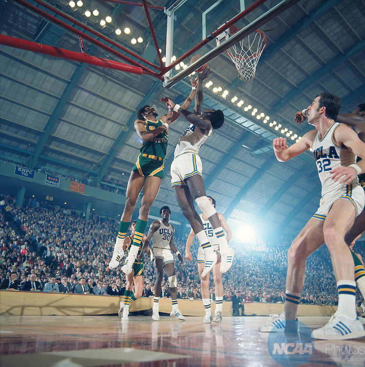21 MAR 1970:  Jacksonville's Artis Gilmore (53) and UCLA forward Sidney Wicks (35) during the NCAA Men's National Basketball Final Four championship game against Jacksonville held in College Park, MD, at Cole Fieldhouse. UCLA defeated Jacksonville 80-69 for the title. Wicks was named MVP for the tournament. Photo by Rich Clarkson/NCAA Photos.SI CD 2017-24