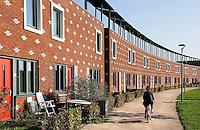 Almere Poort. Zonnecollectoren op de daken