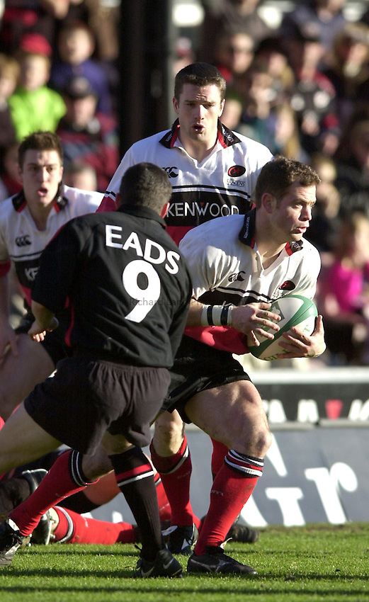 Photo. Richard Lane. .Saracens v Toulouse. Heineken European Cup. .14/01/2001..Kyran Bracken attacks.