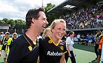 DEN BOSCH - coach Raoul Ehren (Den Bosch) met Ireen van den Assem (Den Bosch)  na    de finale van de EuroHockey Club Cup, Den Bosch-UHC Hamburg (2-1) .  .COPYRIGHT  KOEN SUYK