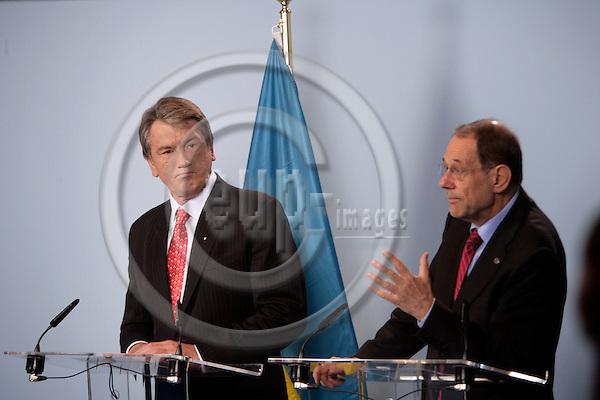 BRUSSELS - BELGIUM - 21 JUNE 2007 -- Ukrainian President Viktor YUSHCHENKO (L) meeting with Javier SOLANA (R), EU High Representative for the CFSP. Photo: Erik Luntang/EUP-IMAGES