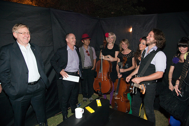 2 December 2012, Mundra, Gujurat, INDIA:  Queensland Premier Campbell Newman with Federal Minister for Resources and Energy, Martin Ferguson and members of Deep Blue after a gig at the home of Indian businessman Gautam Adani on a visit to Gujurat.  Deep Blue are in India as part of Oz Fest.   Picture by Graham Couch/DFAT