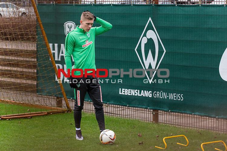 07.02.2016, Trainingsgelaende, Bremen, GER, 1.FBL, Training Werder Bremen<br /> <br /> im Bild<br /> Aron J&oacute;hannsson / Johannsson (Bremen #9), <br /> <br /> Foto &copy; nordphoto / Ewert