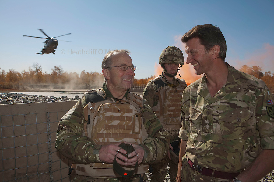 Mcc0027461 . Daily Telegraph..Chief of Defence Staff General David Richards talking with the 3 Para Battlegroup's commander Lt Col James Coates during his visit to FOB Shazad today in the northern Nad e Ali district of Helmand Province....Helmand 28 November 2010