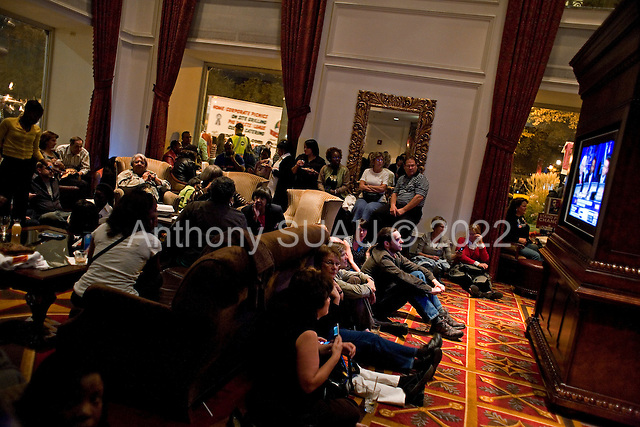 Chicago, Illinois.November 4, 2008.USA..Many people gather in the bar of the Hilton Hotel, just next to Grant Park the night Senator Barack Obama is elected President of the United States of America.