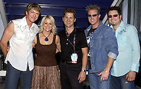 Rascal Flatts,Carolyn Dawn Johnson w/Chris Parr VP Music &amp; Talent CMT at the first ever CMT Flameworthy Video Music Awards at the Gaylord Entertainment Center in Nashville Tennesee. 6/12/02<br /> Photo by Rick Diamond/PictureGroup