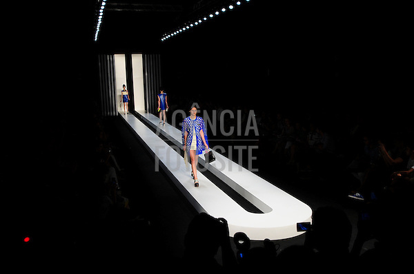 Rio de Janeiro, Brasil – 12/01/2012 - Desfile de New Order durante o Fashion Rio  -  Inverno 2012. Foto : Gabriel Cappelletti / Agência Fotosite