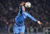 FUSSBALL CHAMPIONS LEAGUE  SAISON 2015/2016 ACHTELFINAL HINSPIEL Juventus Turin - FC Bayern Muenchen             23.02.2016 Torwart Manuel Neuer (FC Bayern Muenchen) mit Ball