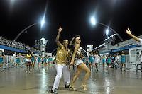 SÃO PAULO, SP, 15 DE JANEIRO DE 2012 - ENSAIO UNIDOS DE VILA MARIA - Ex BBB Flavia Viana durante ensaio técnico da Escola de Unidos de Vila Maria na praparação para o Carnaval 2012. O ensaio foi realizado na madrugada deste domingo, no Sambódromo do Anhembi, zona norte da cidade. FOTO LEVI BIANCO - NEWS FREE
