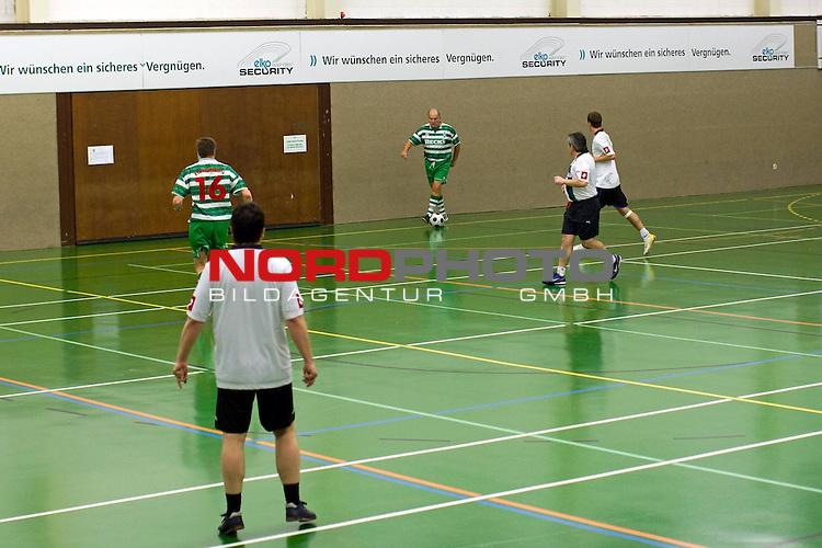 Kick Werder Bremen - Borussia MŲnchengladbach 6:6 14.02.2009<br /> <br /> Spielszene . JŁrgen L. Born (Werder Bremen - Vorsitzender der Gesch&scaron;ftsfŁhrung und Gesch&scaron;ftsfŁhrer Finanzen und &divide;ffentlichkeitsarbeit) am Ball.<br /> <br /> Foto &copy; nph (  nordphoto  ) *** Local Caption ***