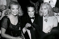 Gina Rowlands John Cassavetes Gloria Swanson 1982<br /> Photo By John Barrett/PHOTOlink