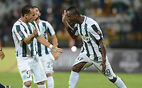 MEDELLIN - COLOMBIA -10-09-2015: Los jugadores de Atletico Nacional celebran el gol anotado a Deportivo Cali, durante partido entre Atletico Nacional y Deportivo Cali, por la fecha 11 de la Liga Aguila II 2015, en el estadio Atanasio Girardot de la ciudad de Medellin.  / The players of Atletico Nacional celebrates a scored goal to Deportivo Cali, during a match Atletico Nacional and Deportivo Cali, for the date 11 of the la Liga Aguila II 2015 at the Atanasio Girardot stadium in Medellin city. Photo: VizzorImage  / Leon Monsalve / Cont.