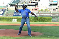 Lee Smith throws out the ceremonial first pitch during the Under Armour All-American Game on August 16, 2014 at Wrigley Field in Chicago, Illinois.  (Mike Janes/Four Seam Images)