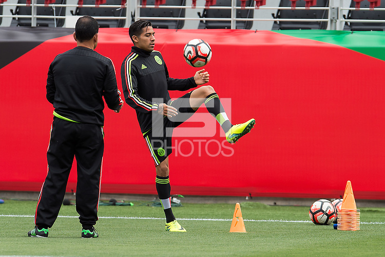 Press Conference of National Mexican Soccer Team, at Levis Stadium in Santa Clara, California. Copa America Centenario USA 2016. <br /> <br /> Conferencia de Prensa  de la Seleccion de Mexico, en el Estadio Levis en Santa Clara California. Copa America Centenario 2016, en la foto: Javier Aquino<br /> <br /> --- 16/06/2016/MEXSPORT/JORGE MARTINEZ