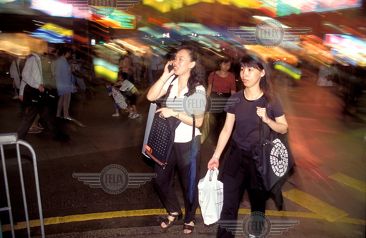 ©Chris Stowers / Panos Pictures..Hong Kong..Women on a shopping spree.