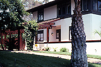 Irving Gill: Alice Lee Cottage #2. 3578 7th Ave., San Diego. Showing new pergola. (Photo 2000)