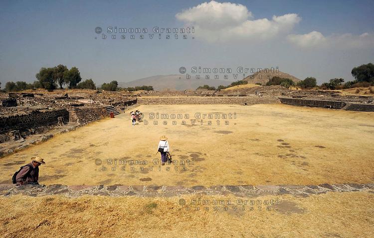 Città del Messico, Dicembre 2010.Le rovine e le Piramidi di Teotihuacan, la città degli Dei..Mexico City, December 2010.The ruins and the pyramids of Teotihuacan, the city of the Gods..