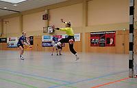 Selina Schönhaber (Walldorf) trifft per Siebenmeter gegen Tanja Christiansen (Darmstadt) - Mörfelden-Walldorf 09.02.2020: TGS Walldorf vs. TGB Darmstadt, Sporthalle