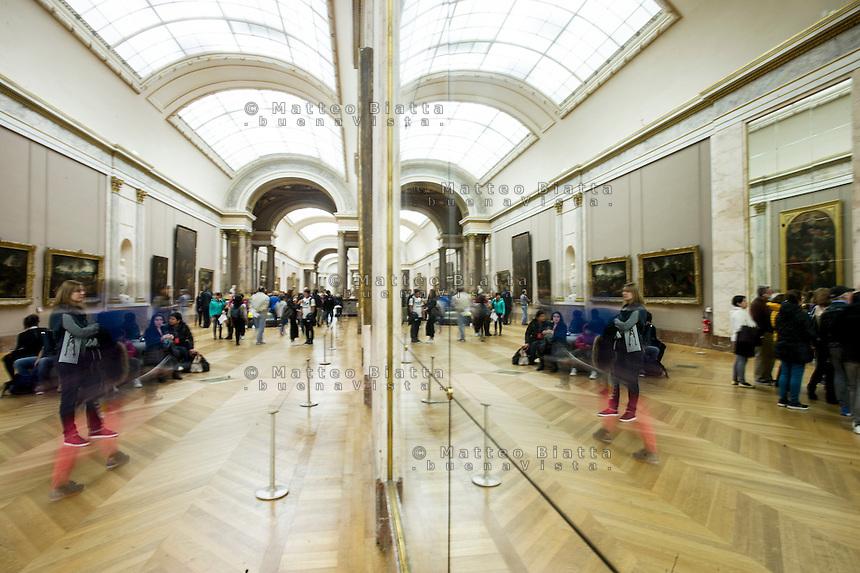 Parigi nella foto Louvre geografico Parigi 04/11/2016 foto Matteo Biatta<br /> <br /> Paris in the picture Louvre geographic Paris 04/11/2016 photo by Matteo Biatta