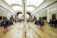 Parigi nella foto Louvre geografico Parigi 04/11/2016 foto Matteo Biatta<br /> <br /> Paris in the picture Louvre geographic Paris 04/11/2016 photo by Matteo Biatta
