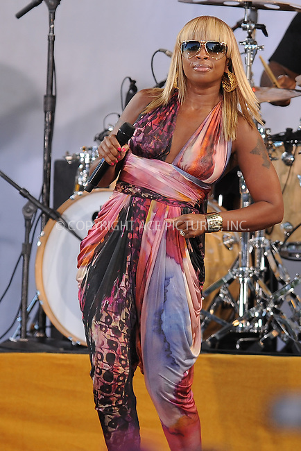 WWW.ACEPIXS.COM . . . . . .September 2, 2011 New York City....Mary J Blige performs on Good Morning America in Central Park on September 2, 2011 in New York City....Please byline: KRISTIN CALLAHAN - ACEPIXS.COM.. . . . . . ..Ace Pictures, Inc: ..tel: (212) 243 8787 or (646) 769 0430..e-mail: info@acepixs.com..web: http://www.acepixs.com .