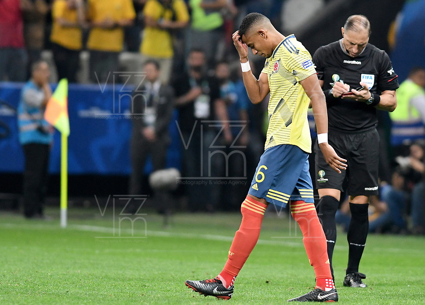 SAO PAULO – BRASIL, 28-06-2019: William Tesillo de Colombia reacciona después errar un gol en la tanda de penales definitorios durante partido por cuartos de final de la Copa América Brasil 2019 entre Colombia y Chile jugado en el Arena Corinthians de Sao Paulo, Brasil. / William Tesillo of Colombia reacts after failing a goal in the shootout during the Copa America Brazil 2019 quarter-finals match between Colombia and Chile played at Arena Corinthians in Sao Paulo, Brazil. Photos: VizzorImage / Julian Medina / Cont /