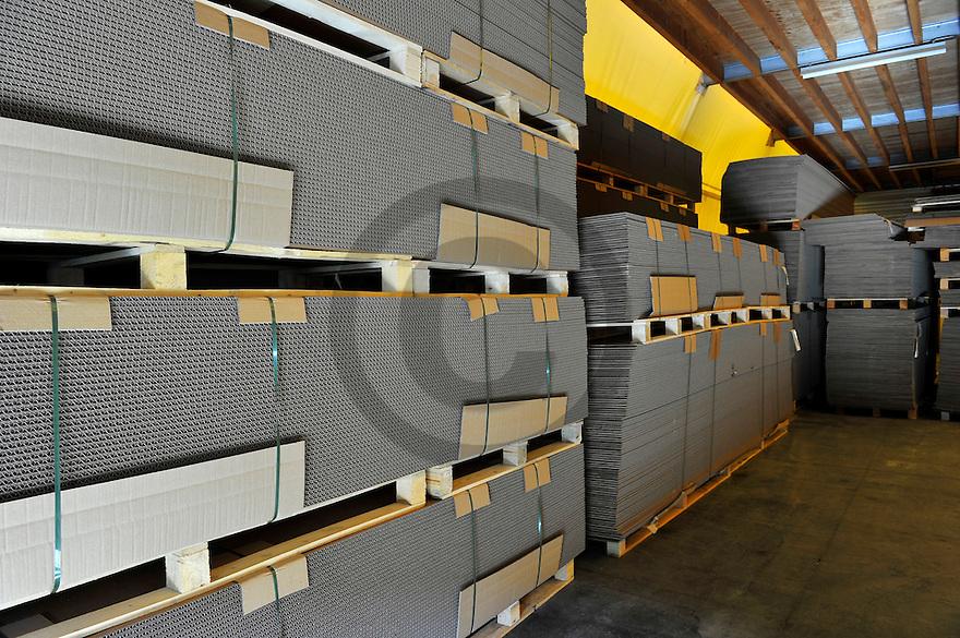 20/02/12 - THIERS - PUY DE DOME - FRANCE - Entreprise PAREMBAL, fabricant de d emballages professionnels en bois et carton pour l industrie - Photo Jerome CHABANNE