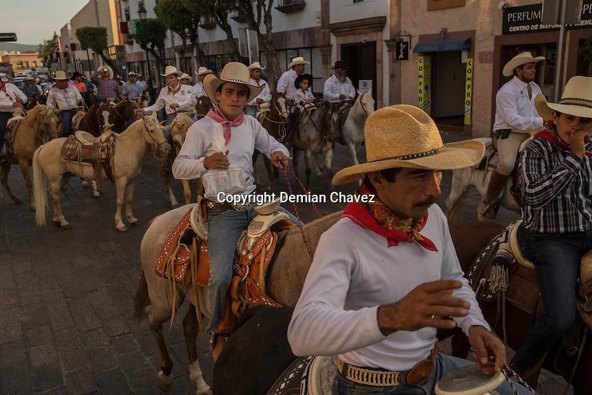 Querétaro, Qro. 12 de septiembre de 2016.- El gobernador del estado, Francisco Domínguez y los alcaldes de Querétaro, Colón, El Marqués y San Miguel de Allende, iniciaron la cabalgata de Los Conspiradores.