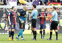 FC Barcelona's Victor Valdes have words with the referee Miguel Angel Perez Lasa in presence of Javier Mascherano (l), Andres Iniesta (2l) and Jordi Alba (2r) after La Liga match.March 02,2013. (ALTERPHOTOS/Acero) /NortePhoto