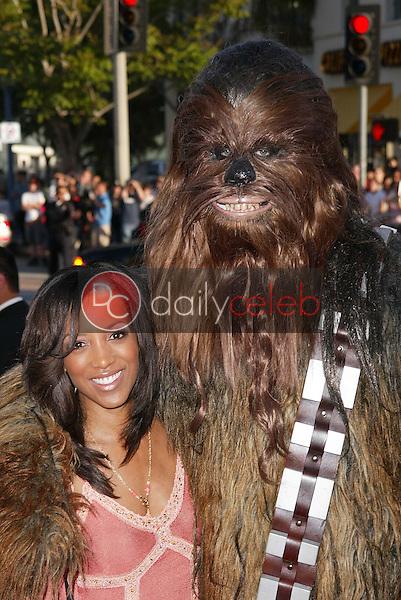 "Shaun Robinson<br /> at the ""Star Wars: Revenge Of The Sith"" Los Angeles Premiere, Mann Village, Westwod, CA 05-12-05<br /> David Edwards/DailyCeleb.Com 818-249-4998"