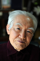 Kiyoo Mogi, 81, Prominent Seismologist and former Chair of the Earthquake Co-ordinating Committee poses at his home, Tokyo.<br /> <br /> photo by Richard Jones/ sinopix