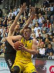 14.04.2018, EWE Arena, Oldenburg, GER, BBL, EWE Baskets Oldenburg vs s.Oliver W&uuml;rzburg, im Bild<br /> auf zum Korb...<br /> Rasid MAHALBASIC (EWE Baskets Oldenburg #24)<br /> Dejan KOVACEVIC (s.Oliver W&uuml;rzburg #22 )<br /> Foto &copy; nordphoto / Rojahn