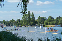 "Henley on Thames, United Kingdom, 21st June 2018, Thursday, Training day before the start of  ""Henley Women's Regatta"",  Thursday,  view, crews, turning to return to the start for another training piece,  Henley Reach, River Thames, England, © Peter SPURRIER/Alamy Live News"